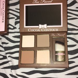 CONTOUR KIT TOO FACED